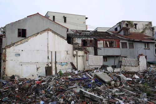 拆违章建筑的流程,少一步就是违法拆除