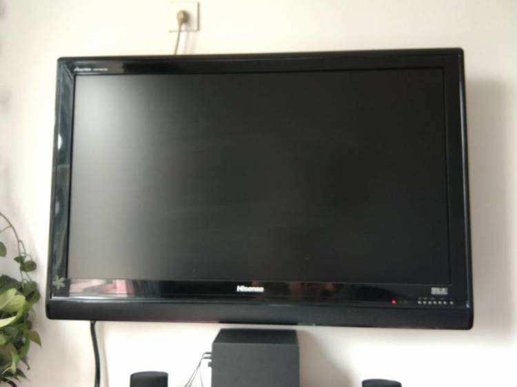 为什么液晶电视会黑屏?这么检修准没错