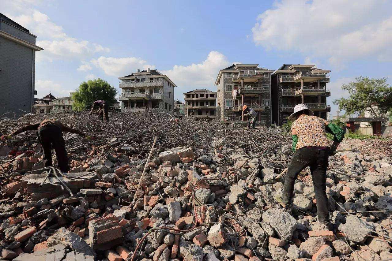 老房子被政府强拆怎么办?两种情况具体分析