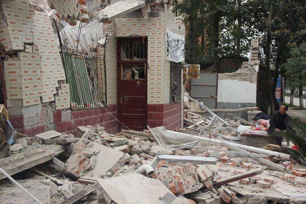 不签字房屋被强拆,怎么维护自己的合法权益