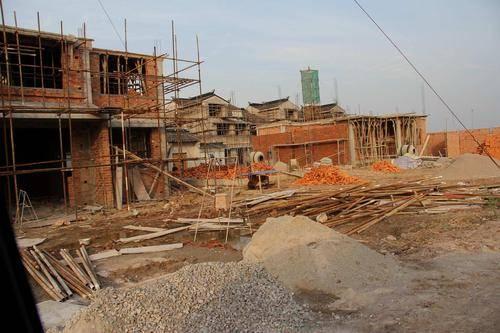 宅基地地皮和房屋分开赔偿吗,补偿标准是什么样的?
