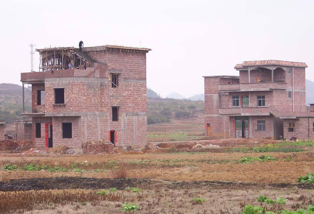 宅基地违建有什么处理方法?农村违法建筑怎么认定的