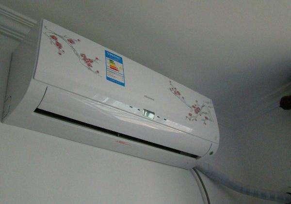 为什么空调制热有冷风?原因在这里!
