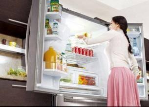 冰箱下面好多水怎么办?为什么冰箱下面有水
